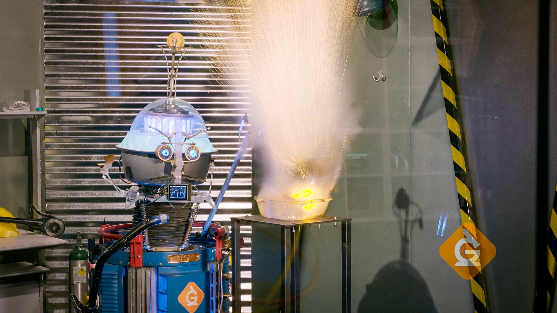 sodium metal reacts with water causing an explosion